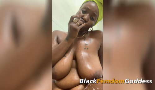Booty clapping and toy play in the shower p2
